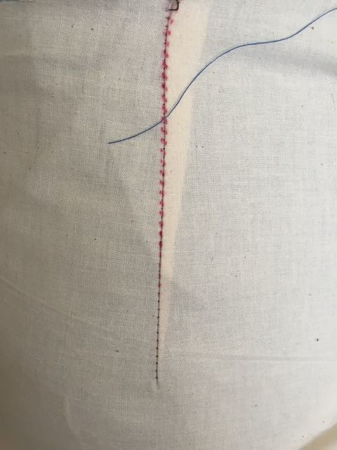 Darts (and zippers) get shorter stitch length.